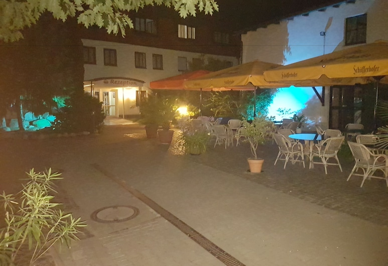 Hotel Bad Schmiedeberger Hof, Bad Schmiedeberg, Hotel Front – Evening/Night
