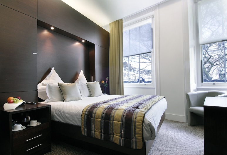 The Park Grand London Paddington, London, Deluxe Double Room, Guest Room