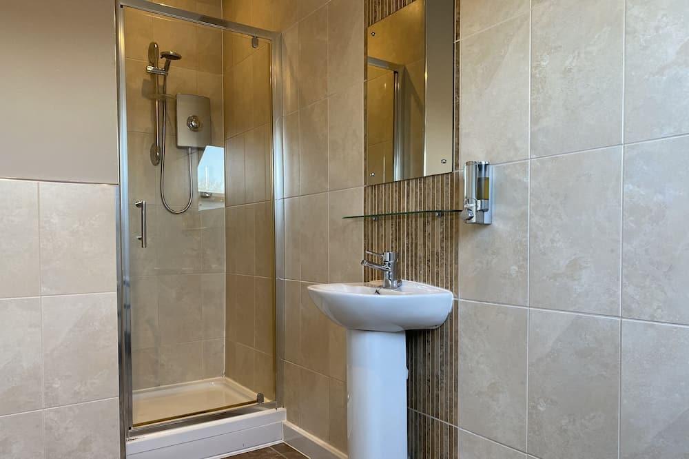 City Triple Room - Bathroom
