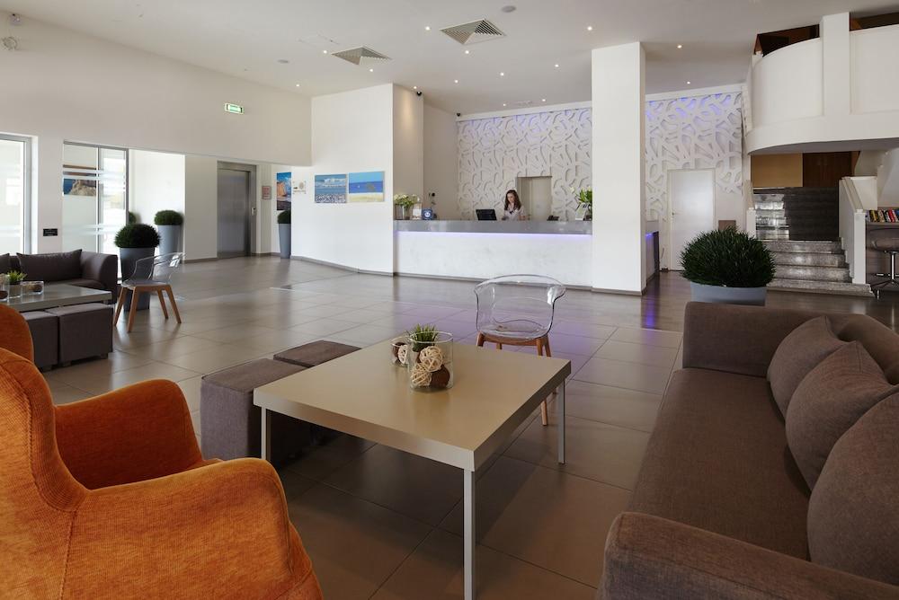 Melpo Antia Luxury Apartments Suites Ayia Napa Reception