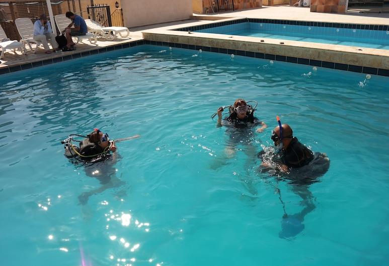 Arab Divers, Aqaba, Installations sportives