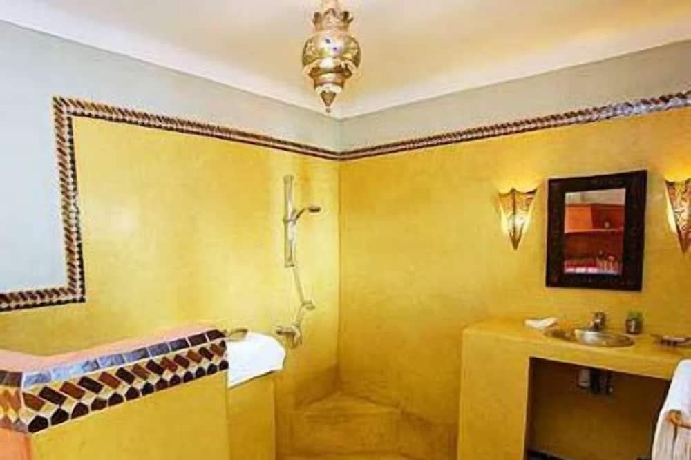 Standard Tek Büyük Yataklı Oda (Siham) - Banyo