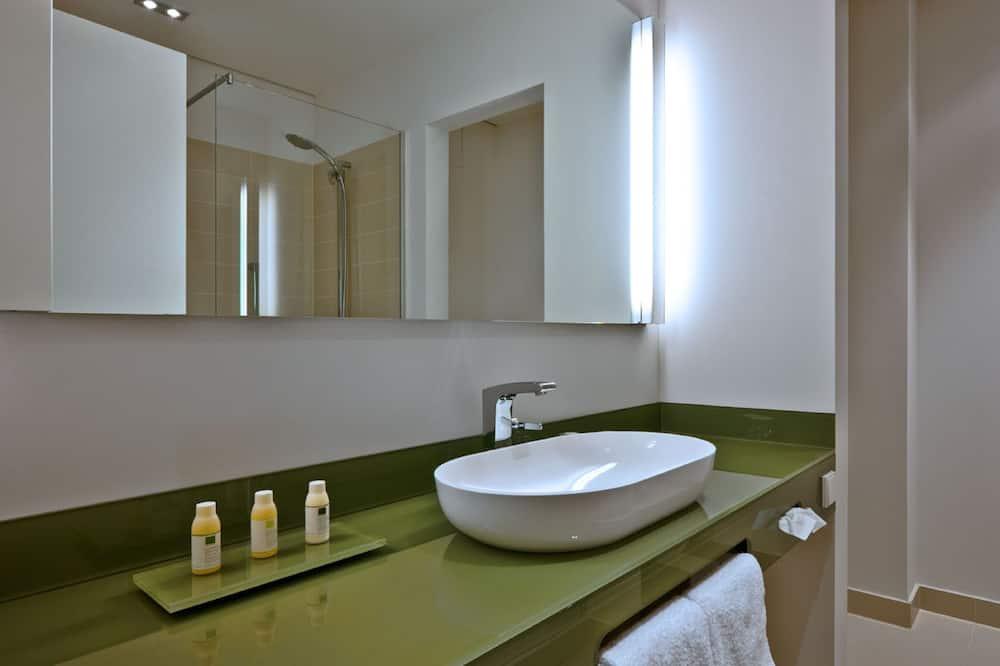 舒适客房 - 浴室