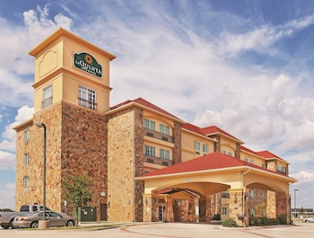 Picture of La Quinta Inn & Suites McKinney in McKinney