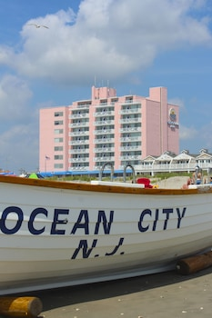 Picture of Port-O-Call Hotel in Ocean City