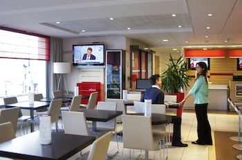 Enter your dates to get the Etampes hotel deal