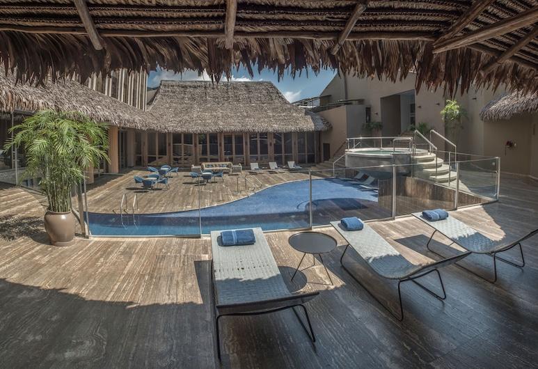 DoubleTree by Hilton Iquitos, Ikitosas, Baseinas