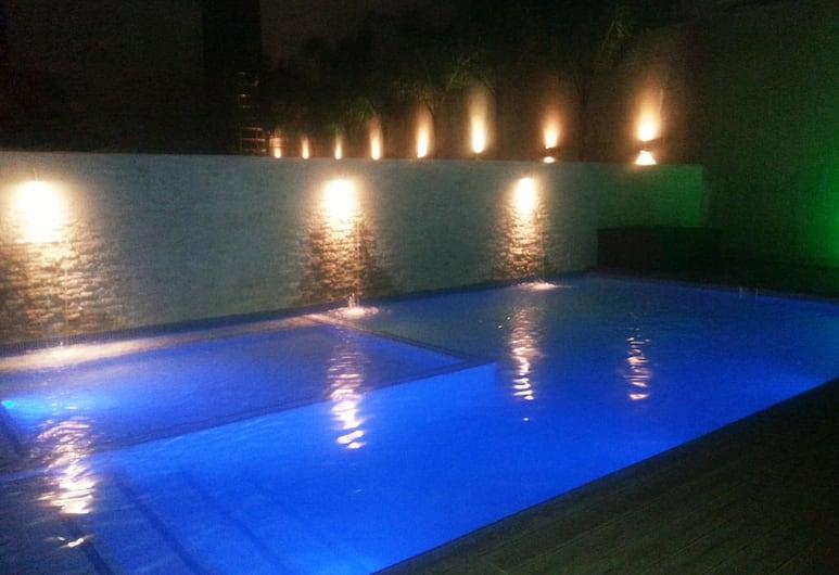 Afrin Prestige, Maputo, Pool