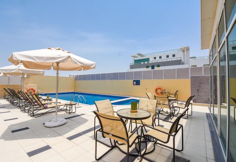 Premier Inn Dubai Silicon Oasis, Dubajus, Baseinas ant stogo