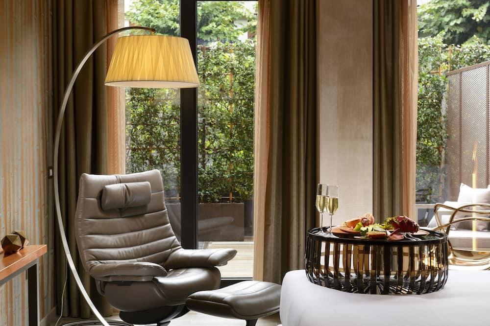 Junior Suite (with Private Garden) - Living Area