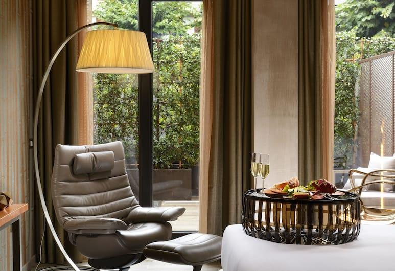 Milan Suite Hotel, Milano, Juniorsvit (with Private Garden Single Use), Vardagsrum