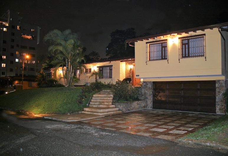 Hotel Poblado Campestre, Medellin, Hotel Front – Evening/Night