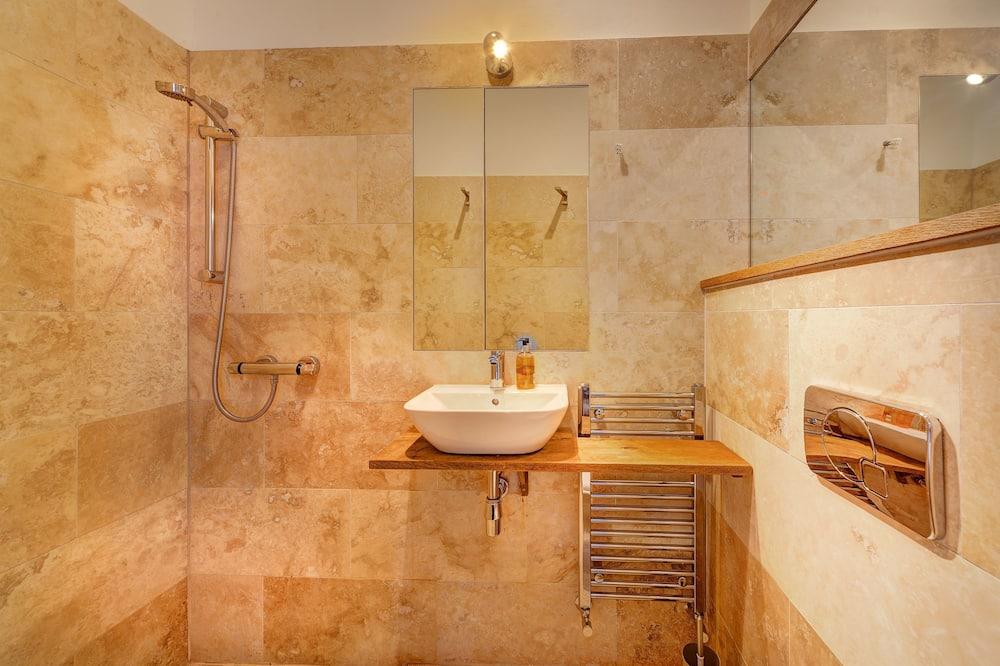 Værelse til 3 personer - privat badeværelse - Badeværelse