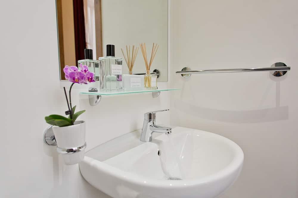 Double Room, Private Bathroom - Bathroom Sink