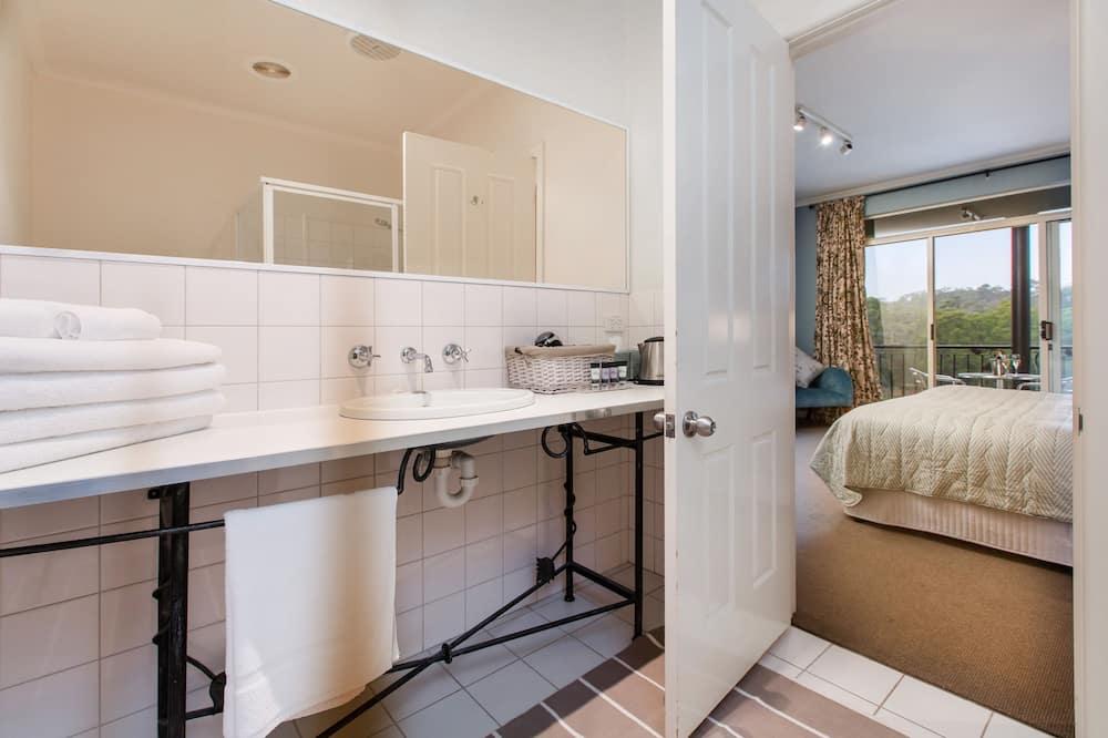 Habitación estándar, para no fumadores, balcón (VIC Getaway) - Baño