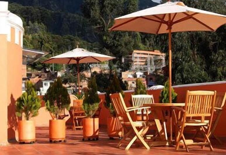 Hotel Casa Deco, Bogotá, Restaurante al aire libre