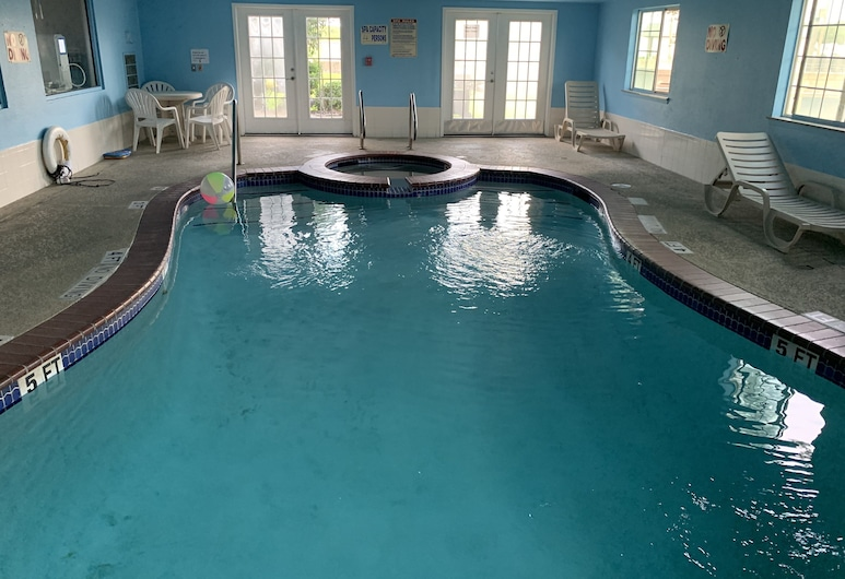 Crystal Suites, Texas City, Pool