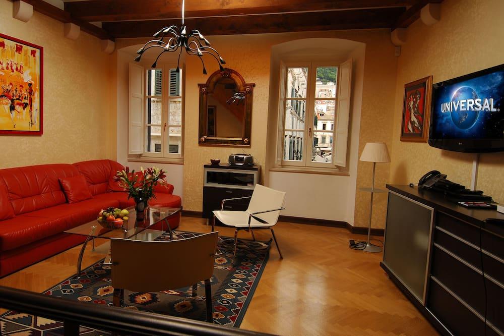 Апартаменти «Делюкс», 2 спальні, з видом на місто, добудова - Вітальня