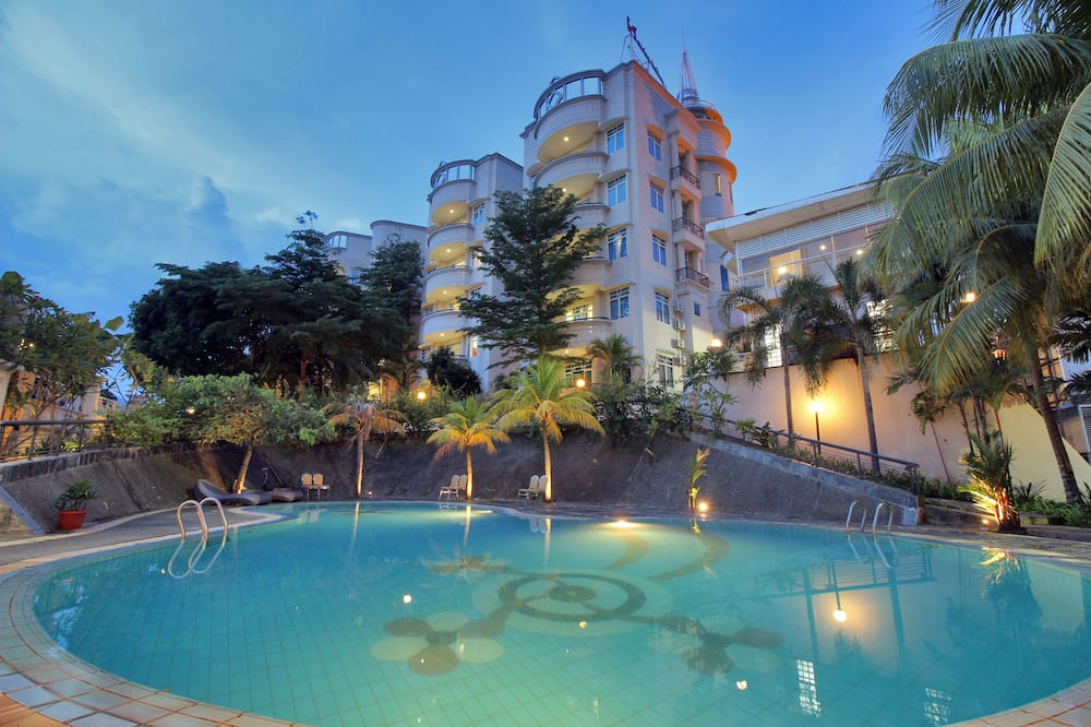 Grand Eska Hotel and Residences
