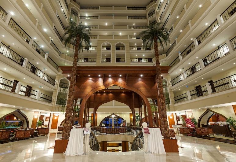 Crowne Plaza Hotel Antalya, Коньяалти, Фойє