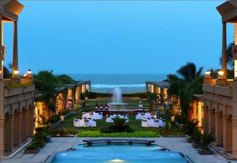 The Chariot Resort & Spa, Puri, Z zewnątrz