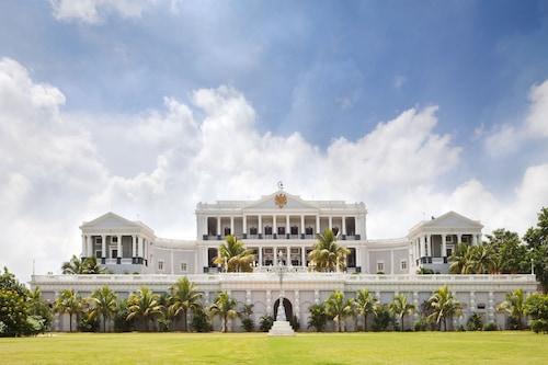 泰姬法拉克努馬宮飯店/