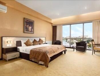 Picture of Days Hotel by Wyndham Baku in Baku