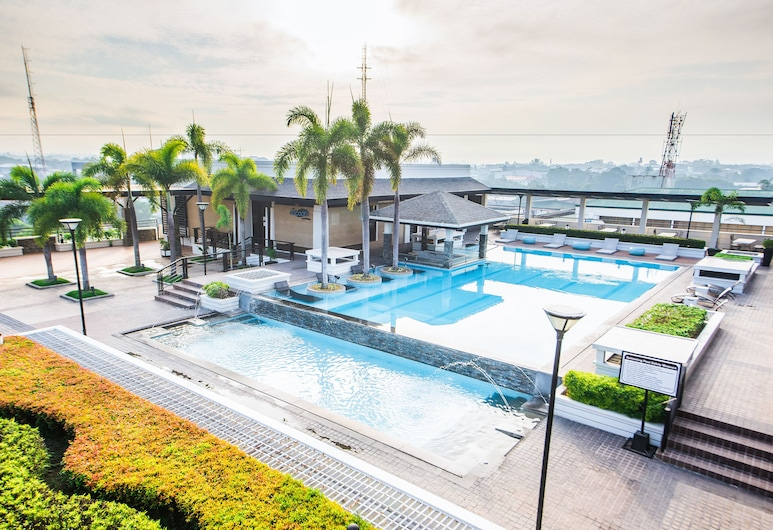 L'Fisher Hotel, Bacolod, Infinity Pool