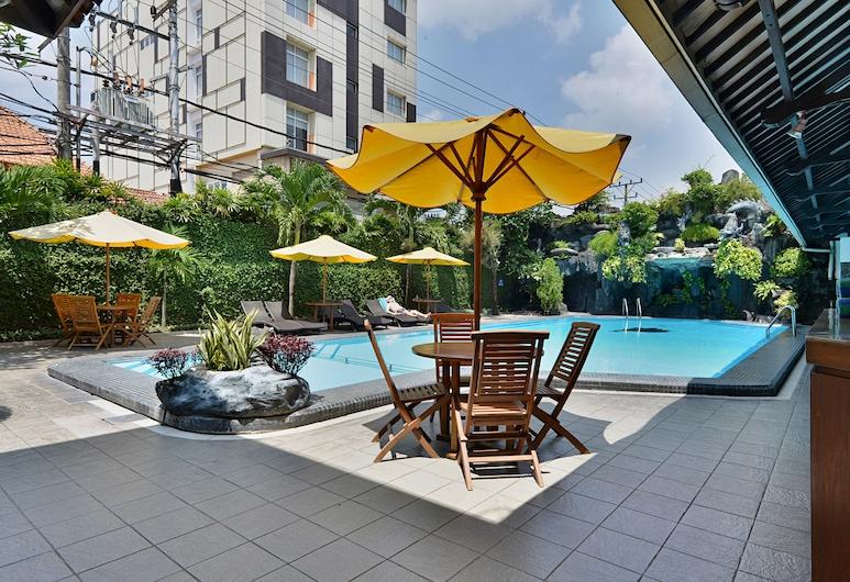 Puri Artha Hotel, Yogyakarta, Outdoor Pool