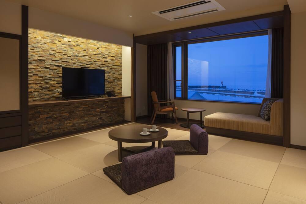 Habitación tradicional (Modern Japanese-Style, Private Onsen) - Sala de estar