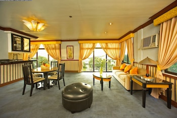 Picture of Miramar Hotel in Manila
