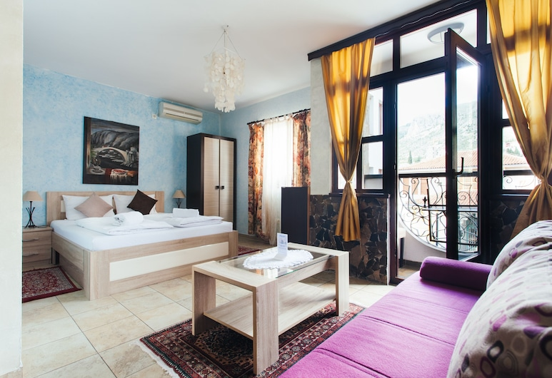 Villa Anri, Mostar, Classic trokrevetna soba, Pogled s balkona