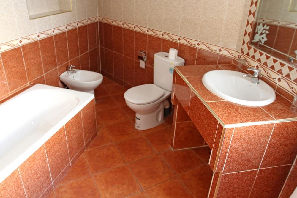 ห้องคลาสสิกสำหรับสี่ท่าน - ห้องน้ำ