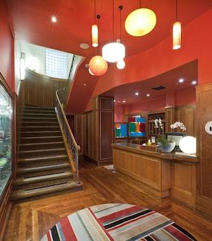 Mynd af Hotel DeBrett í Auckland