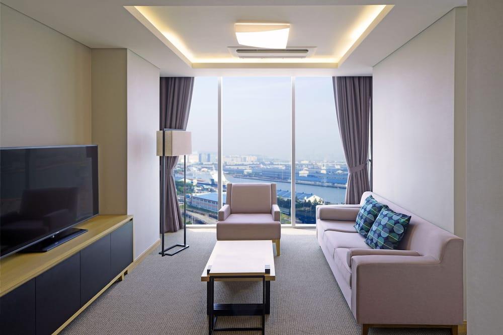 Apartmán, 1 extra veľké dvojlôžko, bezbariérová izba, vaňa - Obývačka