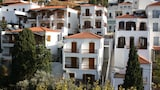 Choose This 3 Star Hotel In Andros