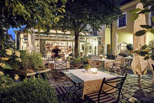 โรงแรมกุทส์กาสโธฟ