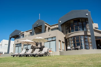 Picture of Bay Lodge in Mossel Bay