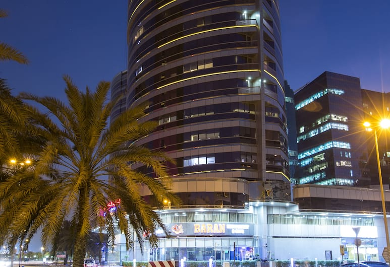 Pearl Park Deluxe Hotel Apartment, Dubai, Front of property - evening