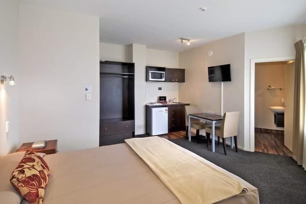 Studio Suite, 2 Single Beds - Guest Room