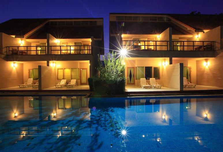 Belle Villa Resort Pai, Pai, Deluxe-værelse - 1 kingsize-seng - adgang til pool, Udendørs pool