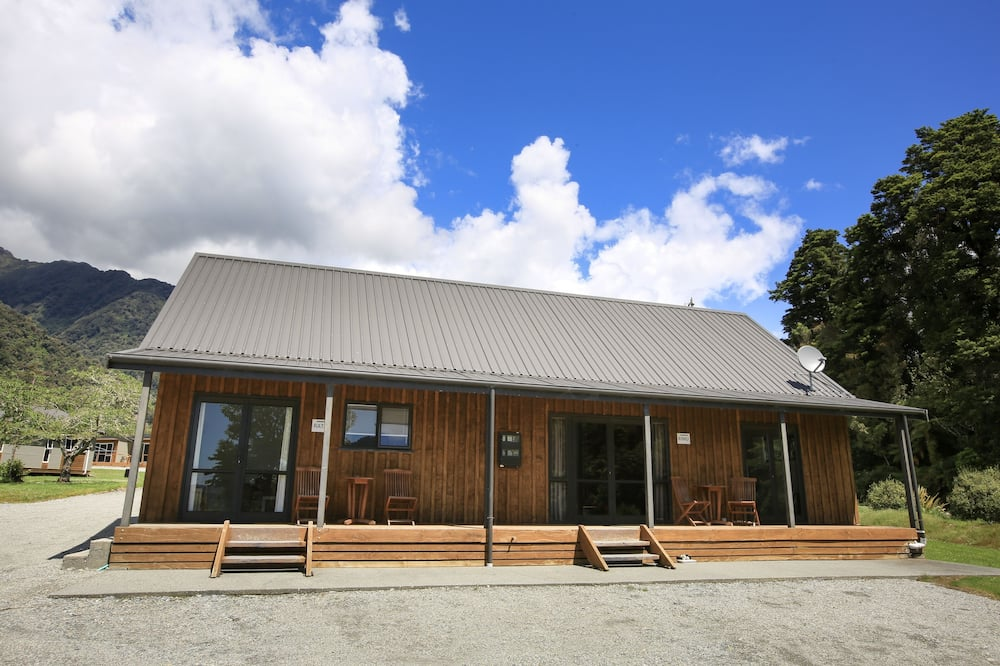Cottage, 1 grand lit, cuisine, côté cour intérieure - Balcon