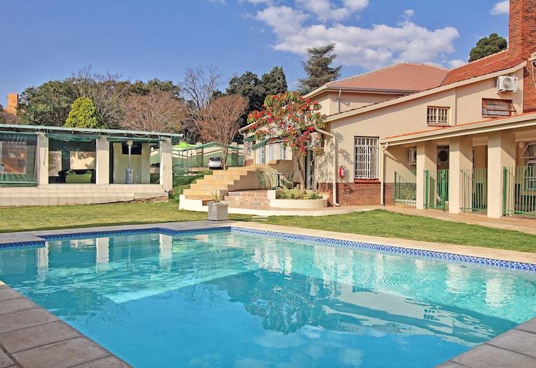 Villa Vittoria, Sandton, Vonkajší bazén