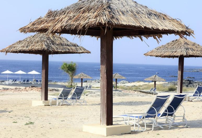 卡拉巴米尔巴特度假村, 米耳巴, 海滩