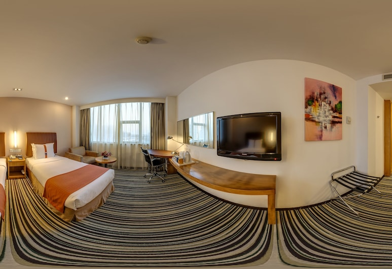 Holiday Inn Express Shanghai Jinqiao Central, Shanghai, Standard Room, 1 Queen Bed, Non Smoking, Guest Room View