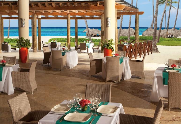 蓬塔卡纳皇家海滩秘密酒店 - 仅供成人入住, 蓬塔卡纳, 室外用餐