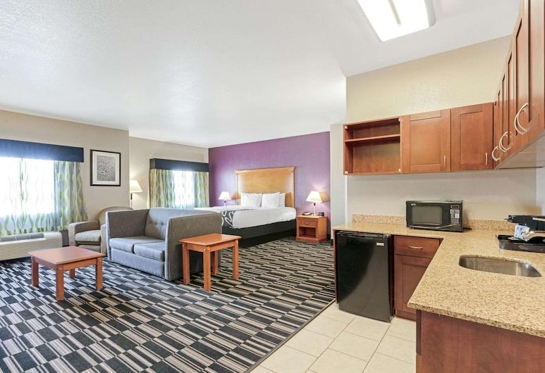 La Quinta Inn & Suites by Wyndham Ada, Ada, Suite Deluks, 1 Tempat Tidur King, non-smoking, Kamar Tamu