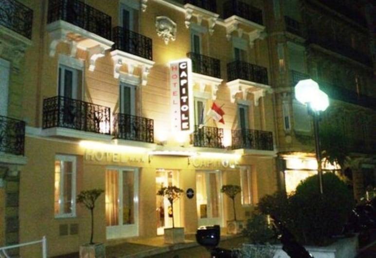 Hotel Capitole, Beausoleil, Facciata hotel (sera/notte)