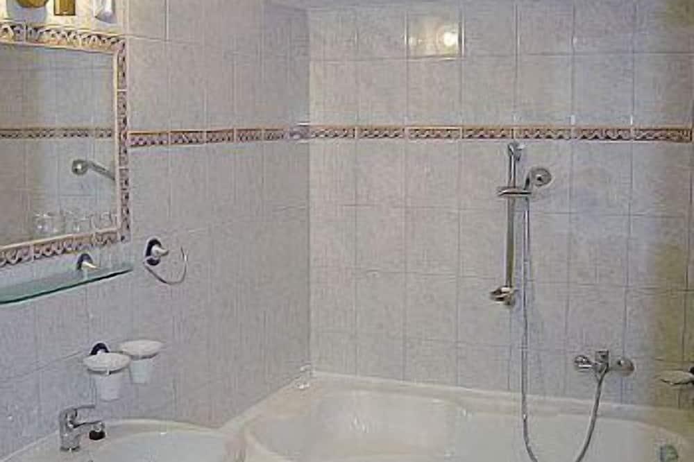 Classic Üç Kişilik Oda, 1 Yatak Odası - Banyo