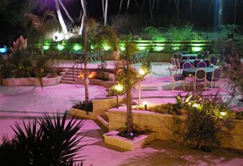 Hotel Marom, Haifa, Garden